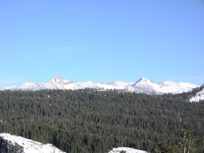 A view into the Clark Range  Left: Mt Clark, Right: Red peak