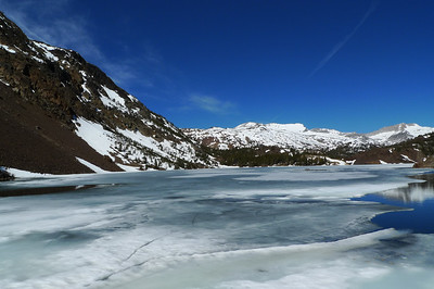 Ellery Lake and the view towards mt Conness