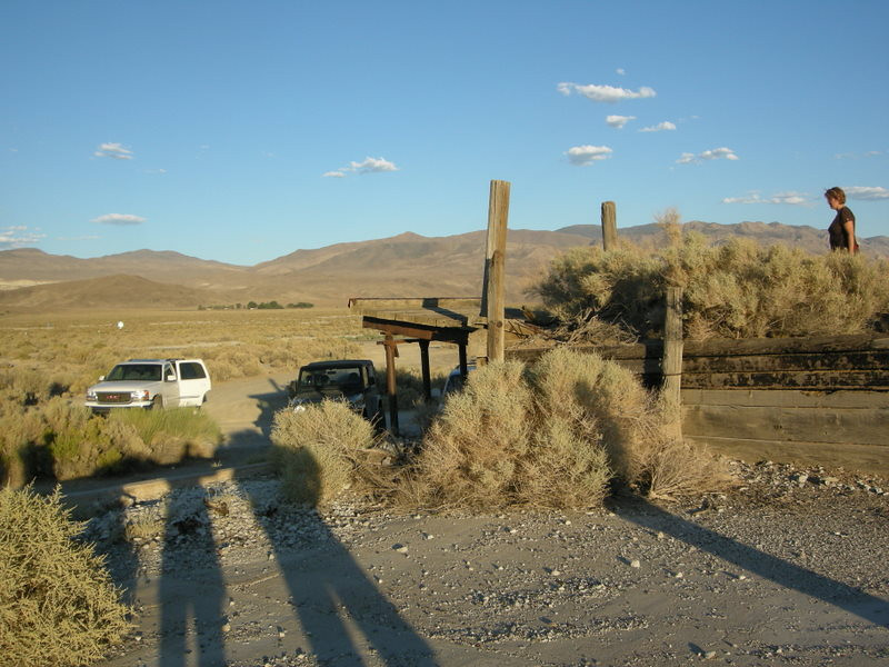 21st century vehicles near early 20th century ruins