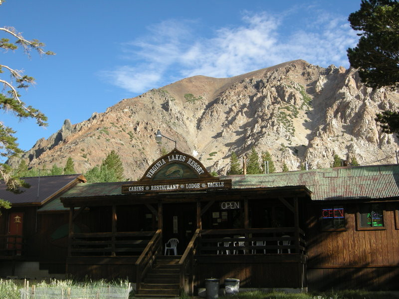 Virginia Lakes - breakfast and a cache.