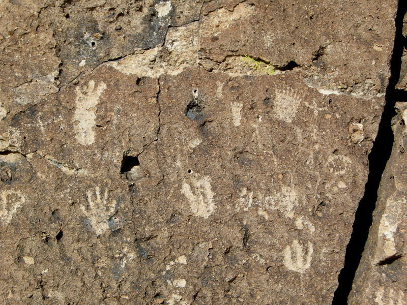 Petroglyphs in Owens valley