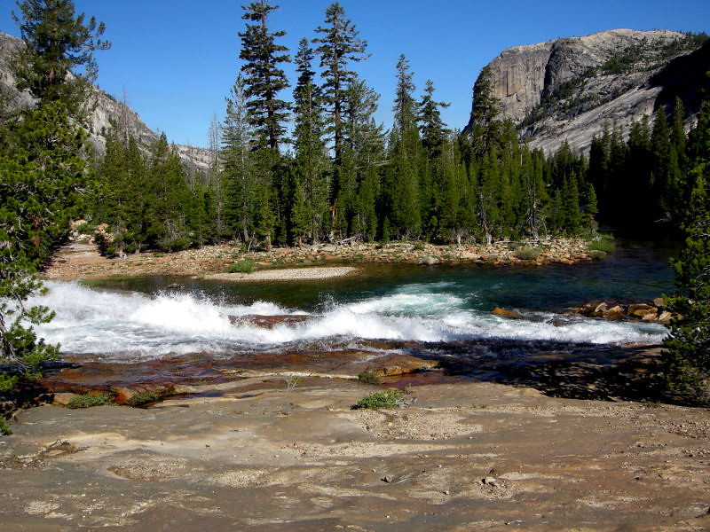 Today's hike takes us 14-15 miles through the Canyon<br /> <br /> We follow the gorgeous turquoise river the whole way