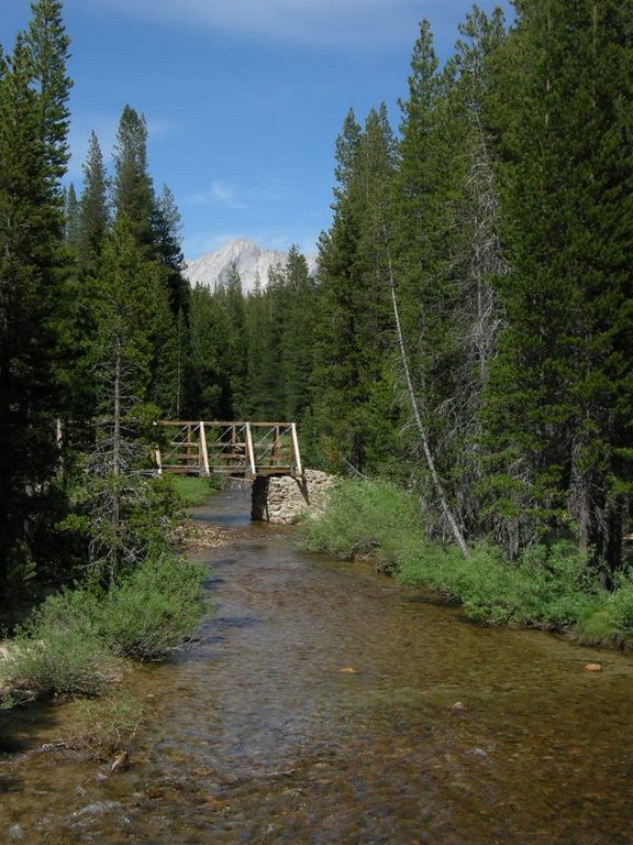 Glen Aulin footbridge with Mount Conness in background