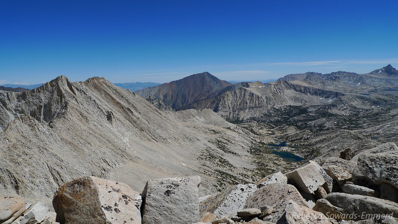 Mt Tom (center) and Chalfant Lakes valley. Humpreys just made it into the shot on the right.