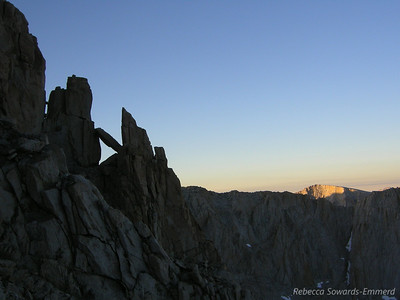 Jumbly rocks and Mt Newcomb in the morning sun (?)
