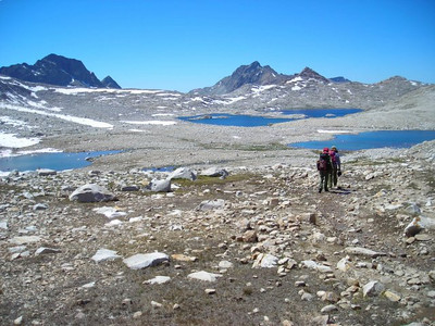 After relaxing in the hut for a while, we head down into Evolution Basin.