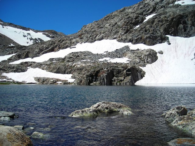 Unnamed lake and snowfields.