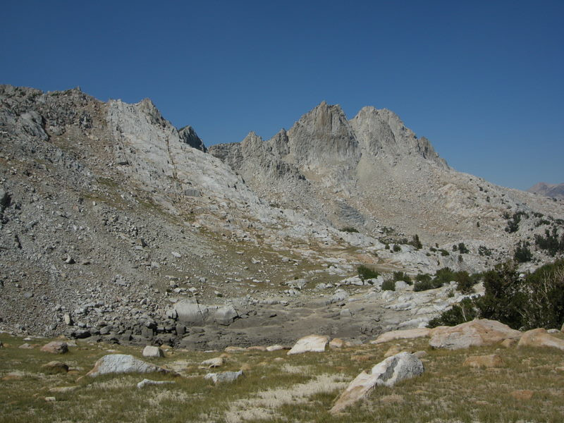 A completely dry tarn just below Silver Pass