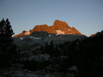 An early morning start from Garnet Lake - Ritter and Banner at Sunrise