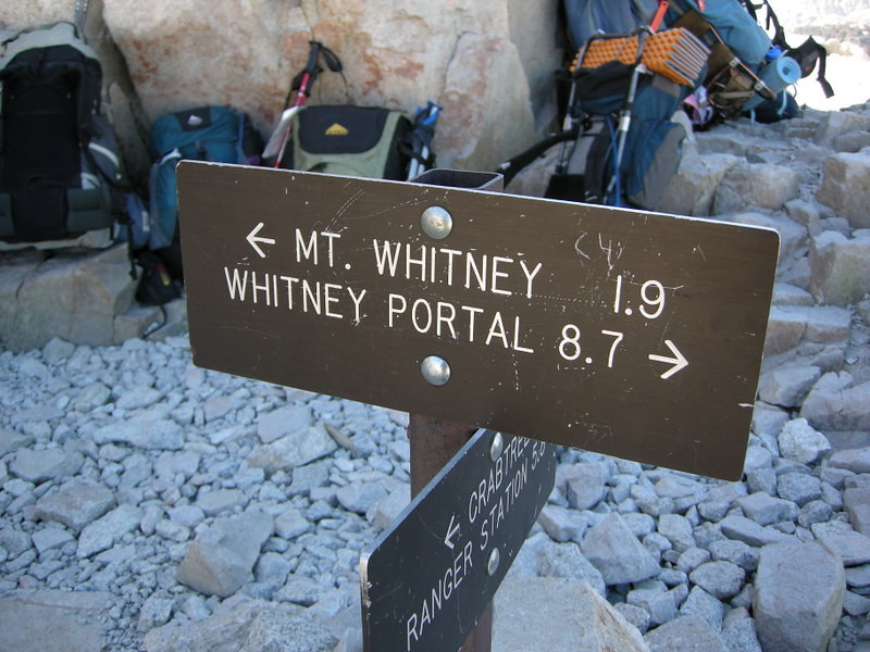 Now it hits me that I'm almost done. :( 'Just' 8.7 miles back to the portal.<br /> <br /> Of course, that 8.7 miles includes 5000 feet of descent. Ouch.