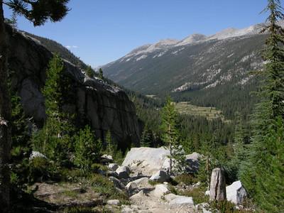 Beautiful views back into Lyell Canyon