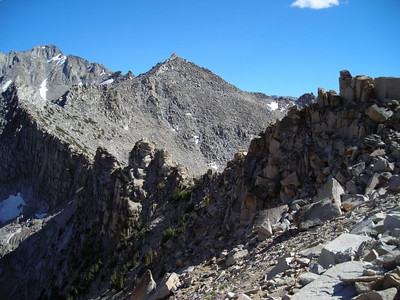 The ridge that extends south from Kearsarge Pass.