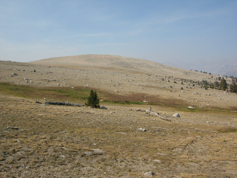 The trail goes over Big Horn Plateau, a beautiful barren flat stretch