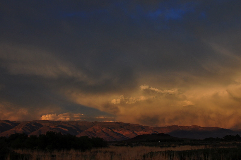 Sunset from bishop over the white mountains