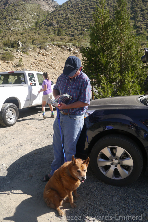 What a treat! Andy Zdon, author of my most dog-eared guidebook, stopped by to say hi at the trailhead. Here he is signing Cori's well-sed copy of Desert Summits.