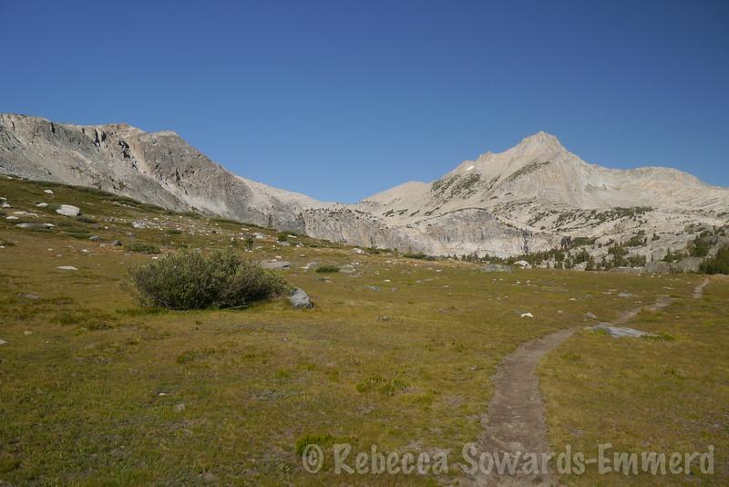 As we get to the end of the lake we get a good view of our target - North Peak