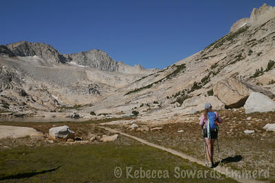 We wander the conness lakes basin towards the higher lake