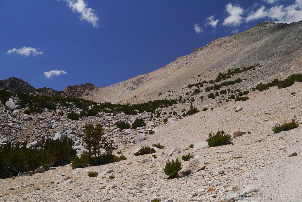 Finally Kearsarge Pass (~11,700 ft) is in view.