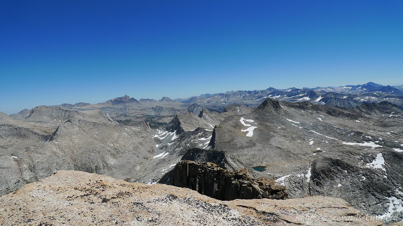 View towards Humphreys Basin and the evolution peaks.