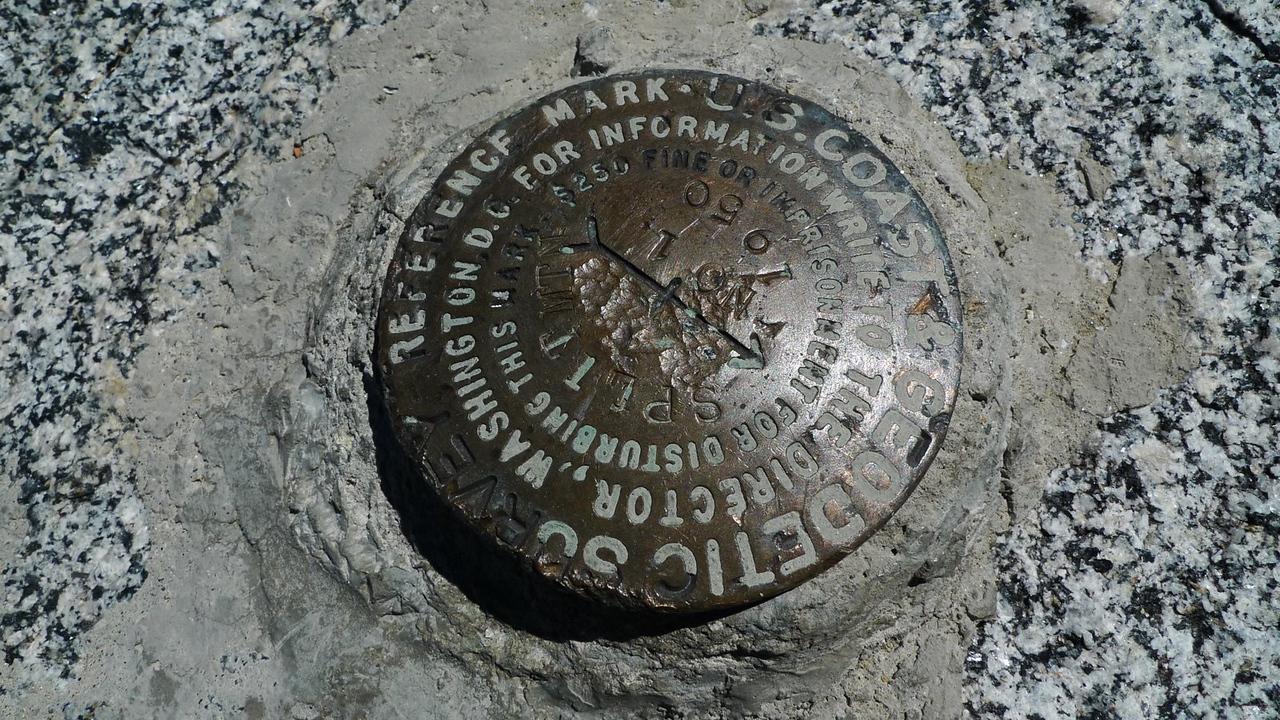 Split Mountain Benchmark