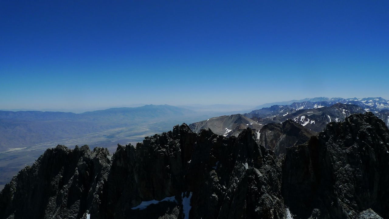 South view into the smokey Owens Valley