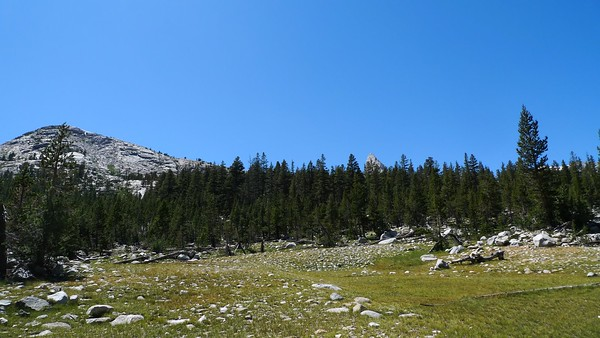 Back in familiar territory, hiking north along the JMT through Upper Basin. I think I did this last time in....2007? 2006? Something like that.