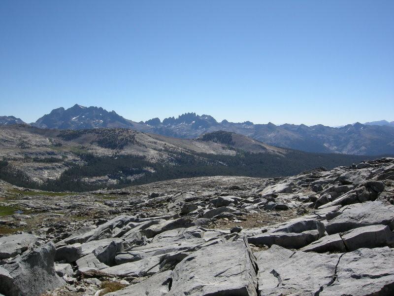 One more shot of Banner/Ritter/Minarets before descending the pass