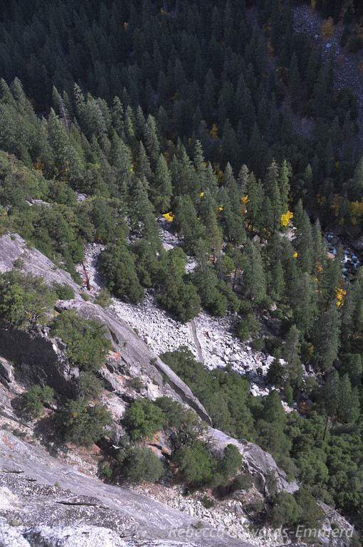 The JMT far below us. Teeny people - we could hear them but I'm sure they had no idea we were up there.