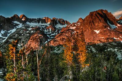mountain-alpinglow