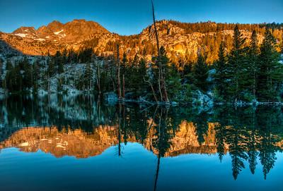 mountain-lake-alpinglow