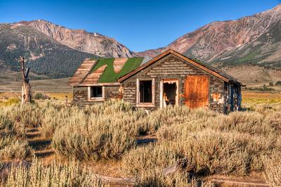 abandoned-sierra-house