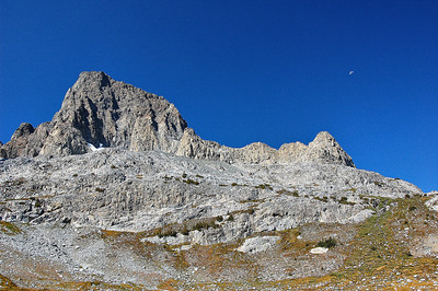 sierra-mountains-moon-4