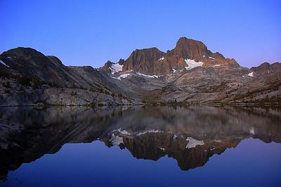 mt-banner-lake-garnet-dawn