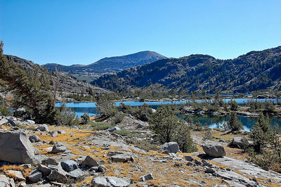 sierra-mountains-garnet-lake-2
