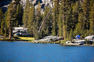 sierra-mountains-tent-camping