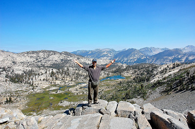 mountain-lake-hiker-panorama