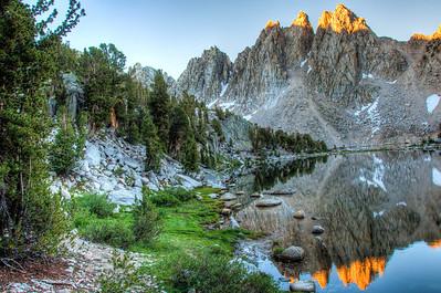 lake-shore-mountain