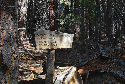 mono-creek-trailhead-sign