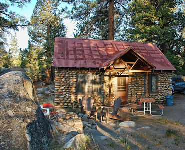 sierra-mountains-cabin