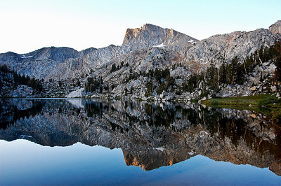 sierras-lake-of-the-lone-indian-reflection-2