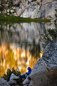 sierra-mountains-lake-camper