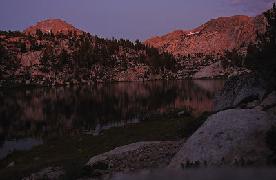sierra-mountains-lake-sundown