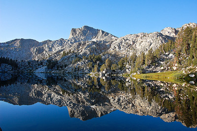 sierras-lake-of-the-lone-indian-reflection-5