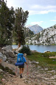 sierra-mountains-backpacker-4