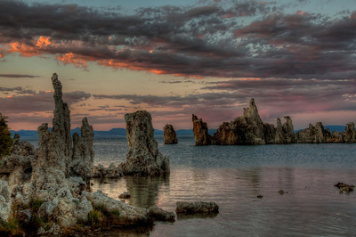 mono-lake-tufas-sunset-hdr