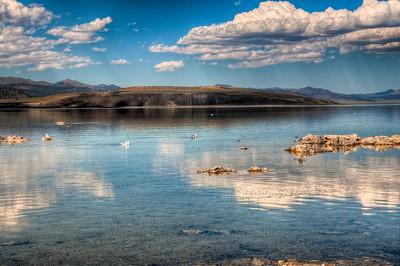 mono-lake-sierras