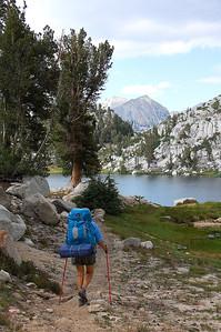 sierra-mountains-backpacker-4