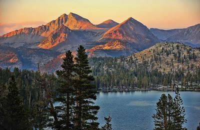sierra-mountains-lake-sunset