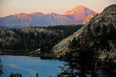 sierra-mountains-lake-sunset-2