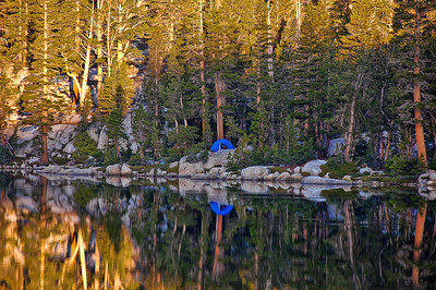 mountain-lake-camping-reflection